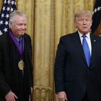 Trump awards medals to Jon Voight and Alison Krauss