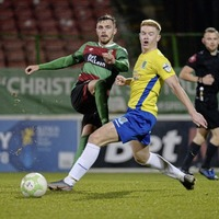 Glentoran's Robbie McDaid hoping to enjoy home comforts against Dungannon Swifts
