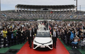 Pope Francis using carbon-neutral popemobile during Japan visit