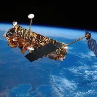 Dead satellites 'pose very big' danger to Earth
