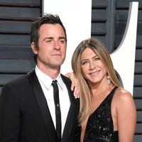 Celebrities do Thanksgiving: Exes Jennifer Aniston and Justin Theroux and more
