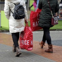 UK economy 'staggering' to year end as services sector returns to contraction