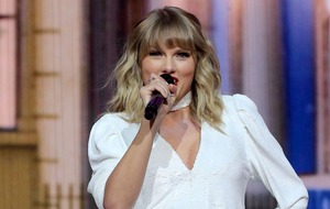 Taylor Swift shares throwback picture from first day on set of Cats