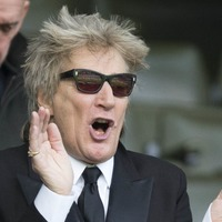 Sir Rod Stewart sets new chart record with number one album
