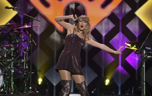 Taylor Swift has 'most aggressive holiday party known to womankind' for her 30th