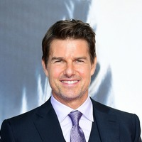Tom Cruise gives fans a peek at Top Gun sequel