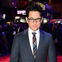 JJ Abrams remembers Carrie Fisher at premiere of new Star Wars film
