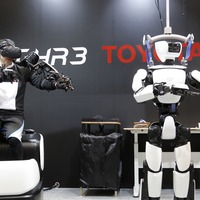 Toyota's humanoid robot duplicates human movements