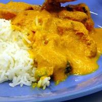 Woman dials 999 over chicken korma curry