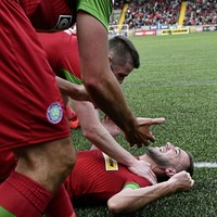 Cliftonville chisel out gutsy win to sink derby rivals Cruaders