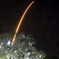 SpaceX tests dark coating to appease stargazers as 60 more satellites launched