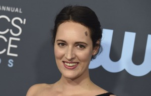 Phoebe Waller-Bridge's suit sold in aid of Australian wildfire relief efforts
