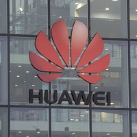 Johnson and Trump discuss telecoms security amid Huawei decision