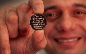 Chancellor unveils new commemorative Brexit 50 pence coin