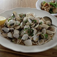James Street Cookery School: Roasted garlic and chilli clams, mussels with cider and white beans