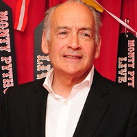 Alastair Stewart leaves ITV News role over 'errors of judgment'