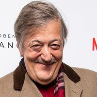 Stephen Fry among authors calling for e-book VAT to be scrapped