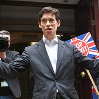 Rory Stewart asks Londoners if he can kip on their sofas in mayoral race