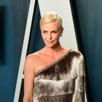 Charlize Theron shares star-studded Oscars selfie