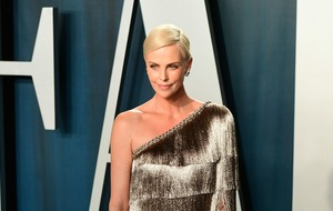 Charlize Theron shares star-studded Oscars selfie
