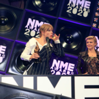 Taylor Swift makes unexpected appearance at the NME Awards