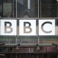 No 10 warns the BBC that the TV licence fee is facing the axe