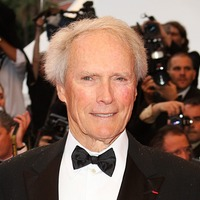Clint Eastwood appears to lend his support to Democratic presidential hopeful