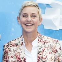 Viral Tube singer Charlotte Awbery performs Shallow on Ellen