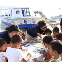 UK charity launches floating library to bring books to children in Philippines