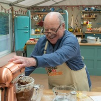No cakes in Hollywood? Richard Dreyfuss 'never baked' before Celebrity Bake Off