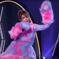 Sarah Palin unveiled on The Masked Singer after rapping Baby Got Back