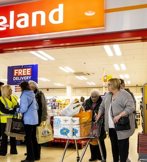 Go to supermarkets if you're healthy, says Iceland boss