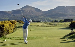 Golf courses in the north to close but stay open south of the border