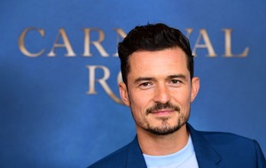 Orlando Bloom thanks NHS for 'saving his life' when he broke his back