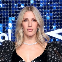 Ellie Goulding helps provide phones for homeless people