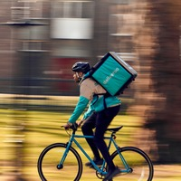 Officials approve £400m Amazon-Deliveroo deal as Covid-19 hammers takeaways