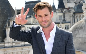 Chris Hemsworth's six-year-old son gatecrashes interview and throws pillows