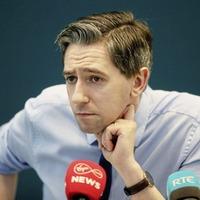 Coronavirus: Simon Harris sorry for 'awful boo-boo' about 18 viruses