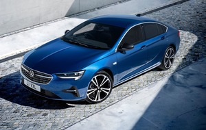 Vauxhall Insignia still scheduled for summer arrival