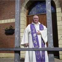 West Belfast priest resumes confessions