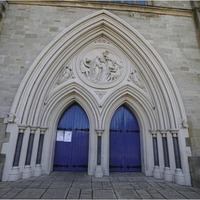 Church leaders want buildings reopened for private prayer
