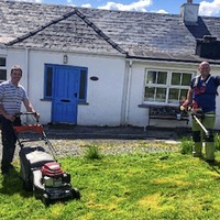 Donegal councillor cuts lawns in gesture to northern holiday home owners
