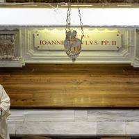 Public Mass resumes in Italy as John Paul II remembered
