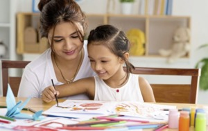 Why art therapy can be great 'family time' during lockdown