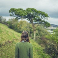 Meditation walks: How leaving your headphones at home can help reduce stress