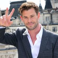 Chris Hemsworth praises children's hospital Covid doctors as 'real superheroes'