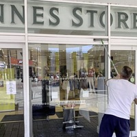 Retailers 'take huge step in the right direction' as shops reopen