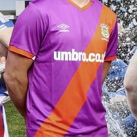 Linfield asked to withdraw club top which shares UVF colours