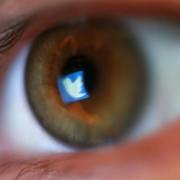 Twitter apologises to deaf people for not making voice tweets accessible