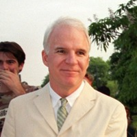 Hollywood actor Steve Martin to auction off one of his trademark white suits